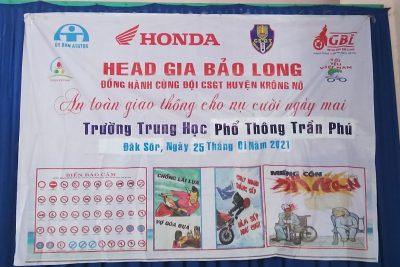 Đội CSGT huyện và công ty Gia bảo Long quán triệt luật ATGT đường bộ và tư vấn lái xe an toàn cho học sinh trường THPT Trần Phú