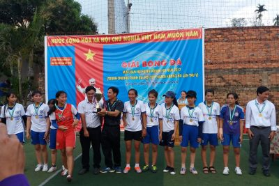 Sau một tuần tranh tài, chiếc cúp vô địch thuộc về trường THPT Trần Phú